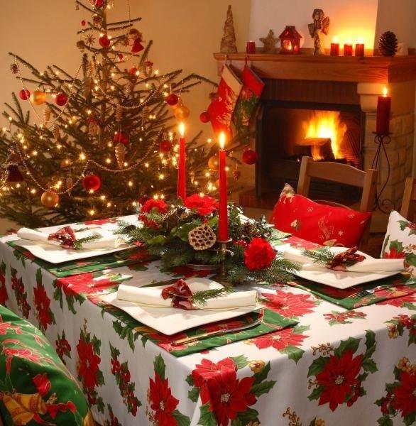 Barwnie i z przepychem - tak powinien wyglądać stół świąteczny.
