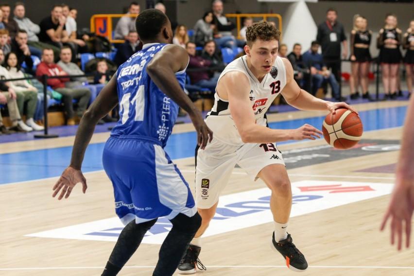 W sobotę koszykarze Startu zagrają w Lublinie z Kingiem Szczecin. W klubie myślą o wzmocnieniu