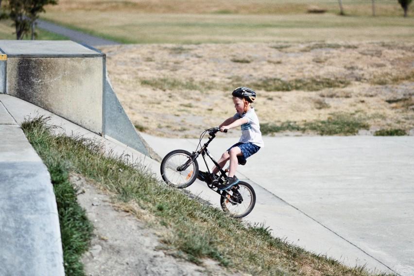 Rower to mimo wszystko wciąż popularny prezent na komunię...
