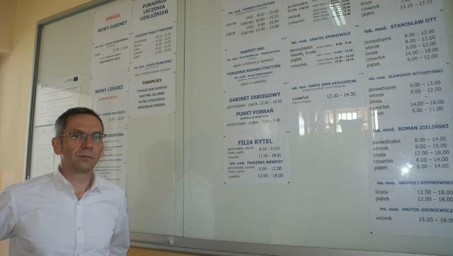 Dyrektor Wiesław Czechowski chce zmienić bank i lokować pieniądze na krótkotrwałych lokatach, by zyskać procenty