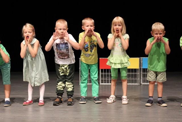 Występy przedszkolaków były pełne uroku.