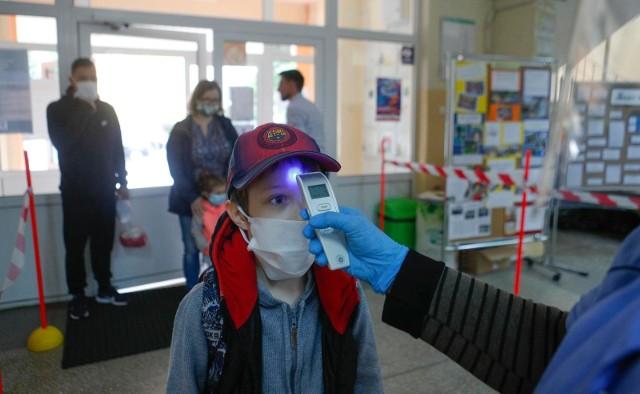 Pierwszy dzień w szkole po zniesieniu obostrzeń związanych z koronawirusem.