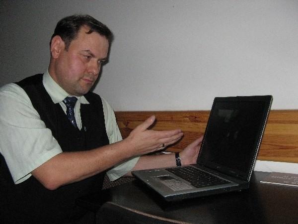 - Włamano się do mojej poczty i obrażono na forum. Nie odpuszczę tego – mówi Robert Majka.