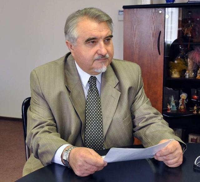 Zbigniew Łukasik, rektor Uniwersytetu Technologiczno -Humanistycznego w Radomiu, otrzymał nagrodę ministra nauki i szkolnictwa wyższego za osiągnięcia naukowe.