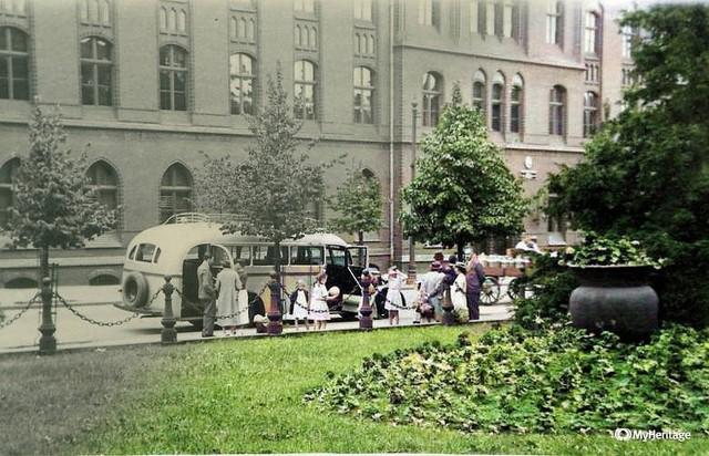 Zobaczcie namiastkę dawnych lat na starych i pokolorowanych fotografiach. Tak wyglądała Bydgoszcz przed i po II wojnie światowej.Pokolorowaliśmy dla Was zdjęcia wykorzystując jedno z narzędzi internetowych. Więcej zdjęć >>>