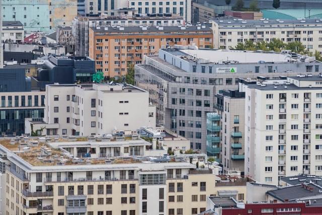 Z szacunków HRE Investments wynika na przykład, że trzyosobowa rodzina na utrzymanie, prowadzenie i wyposażenie mieszkania wydawała w lipcu prawie 1011 złotych. To o bez mała 53 złote więcej niż rok wcześniej