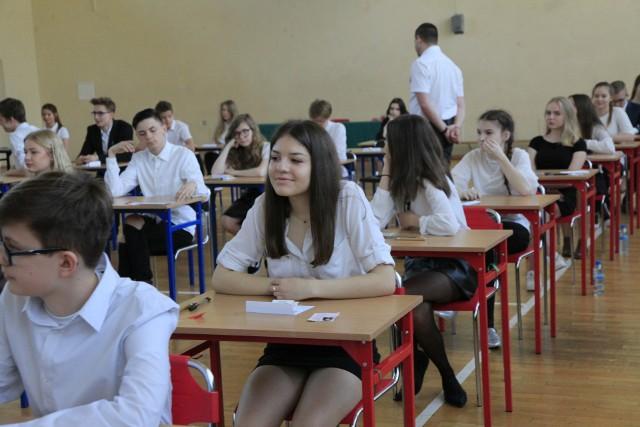 W Gimnazjum nr 34 w Łodzi państwowy sprawdzian zdaje 194 uczniów klas trzecich.