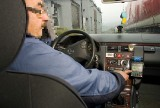 Nożyczki wbił taksówkarzowi w szyję! Nie miał pieniędzy żeby zapłacić za kurs