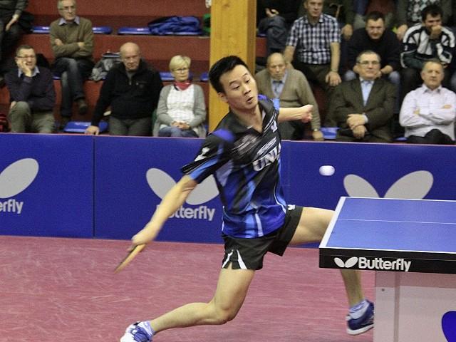 Tenis stołowy. Olimpia Unia pokonała Energę ManekiWang Yang dwoił się i troił ale sposobu na Pawła Chmiela nie mógł znaleźć