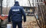 Bielsko-Biała: Mężczyzna pił wodę z kałuży. Był wyczerpany i wyziębiony. Przypadkowy przechodzień uratował mu życie