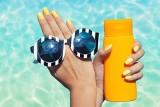Paznokcie lato 2021: wzory i inspiracje na wakacyjne paznokcie. Jakie trendy podbijają serca Pań? Piękne paznokcie na lato i wakacje ZDJĘCIA