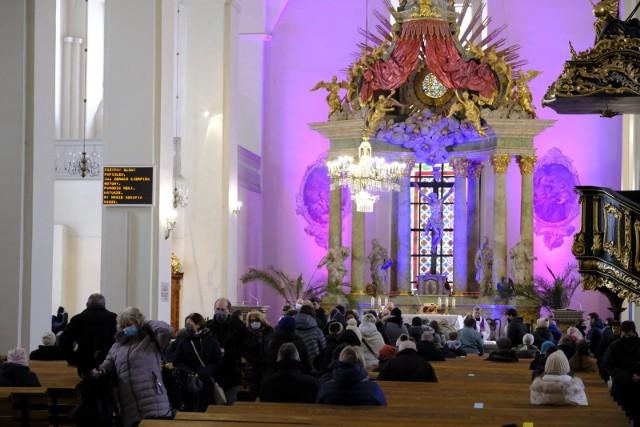20 czerwca przestaje obowiązywać w Polsce dyspensa od uczestnictwa w niedzielnej Mszy świętej i w święta nakazane.