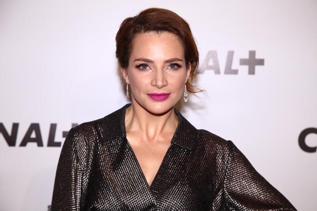 """Anna Dereszowska jest popularną aktorką i wokalistką. Ostatnio na ekranach możemy oglądać ją w serialu """"Komisarz Mama"""". Zobaczcie w naszej galerii jak mieszka i żyje Anna Dereszowska."""