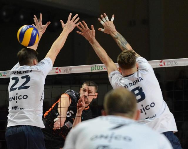 Drugi mecz półfinałowej rywalizacji ONICO z Jastrzębskim Węglem w piątek w Jastrzębiu.