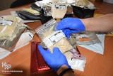 Ponad 350 paczek z dopalaczami, narkotykami i nielegalnymi lekami. Skutki kontroli przesyłek kurierskich i poczty na Pomorzu