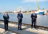 """Premier Morawiecki w Szczecinie: """"znów uprzemysłowimy Szczecin i region"""". Jakie padły obietnice? WIDEO I ZDJĘCIA z konferencji"""