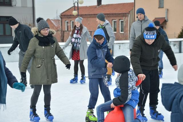 Sobota to ostatni dzień z lodowiskiem na rynku w Proszowicach