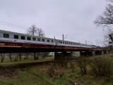 Ważny most kolejowy pod Wrocławiem w złym stanie. Na remont czeka od lat