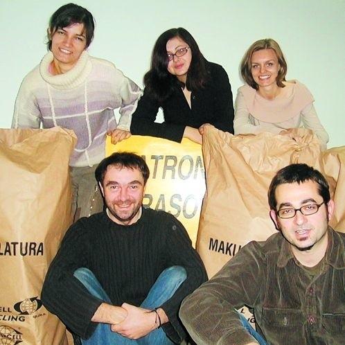 Rok 2005: Anna Wołosz, Ewa Owczarek, Mariola Knap i panowie: Piotr Ossowski i Maciej Sulima