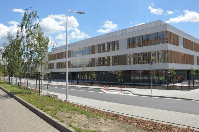 Do nowej szkoły przy ul. Kłodzkiej będzie uczęszczać 750 uczniów i 200 przedszkolaków.