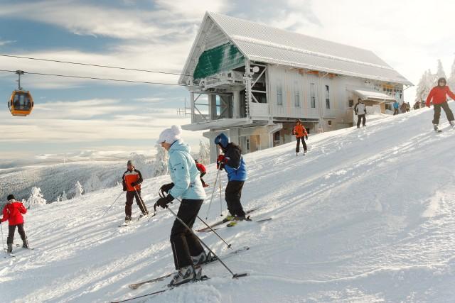 Trasa narciarska jest oceniana w środkowej części jako łatwa, a w dolnej i górnej jako średnia. Jej bardzo mocną stroną jest wspaniały krajobraz. Czynna jest w godz. 9-16 i 18 do 22 (nocne jazdy).