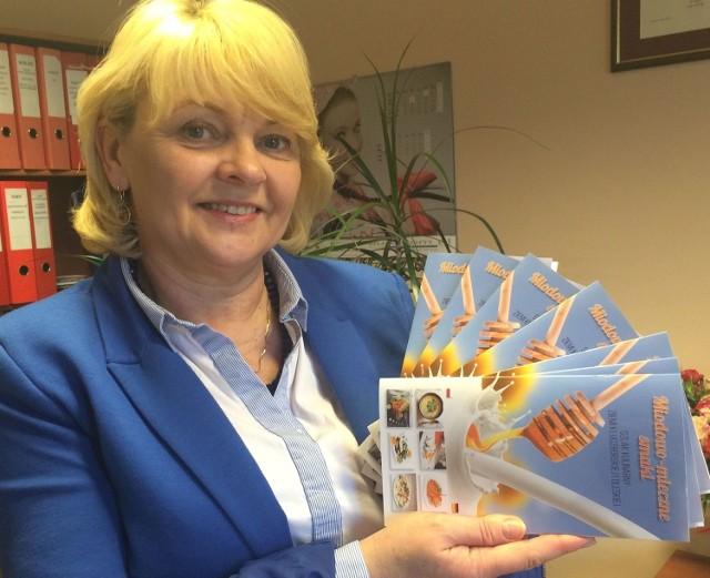 - Przewodniki można otrzymać za darmo w obu starostwach oraz we wszystkich urzędach gmin - zachęca Maria Żurek.