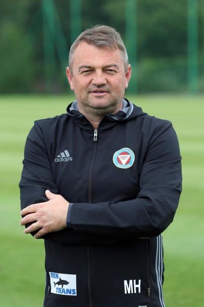 48dff2352 I liga piłkarska: Mirosław Hajdo przedłużył o rok umowę z Garbarnią ...