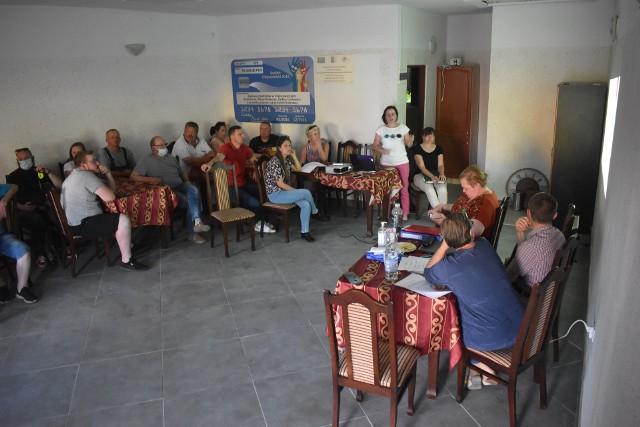 Zebranie wiejskie w Gostchorzu oraz dyskusja w sprawie biogazowni.