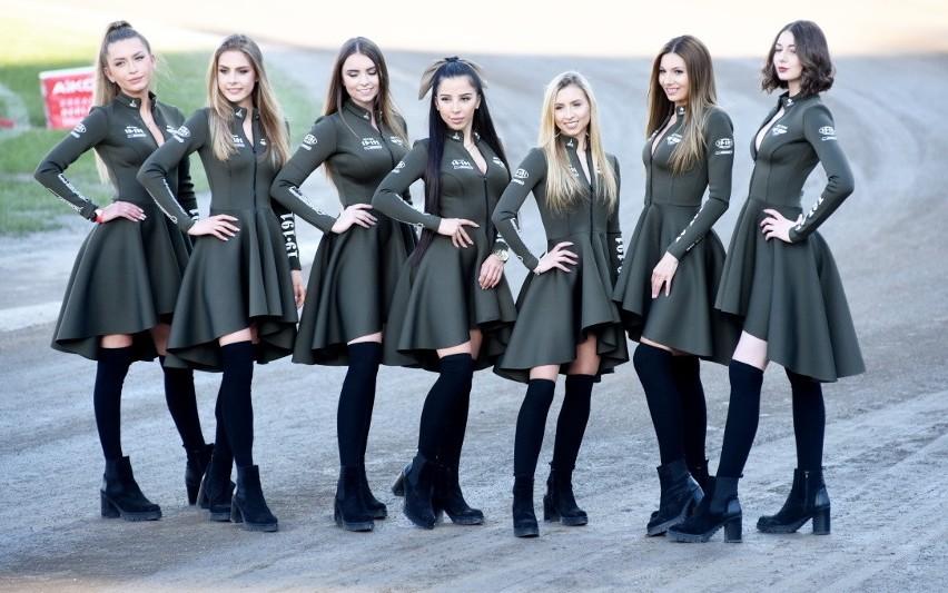 Dziewczyny z Bis Taxi Falubaz Girls pięknie prezentują się...