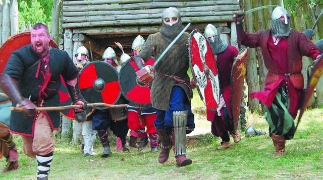 Inscenizacja bitwy cedyńskiej pokaże czy tym razem wygra margrabia Marchii Wschodniej - Hodon czy Mieszko I, któremu pomoże jego brat Czcibor. Wiadomo jak bitwa zakończyła się ponad tysiąc lat temu. Jednak inscenizacje rządzą się swoimi prawami.