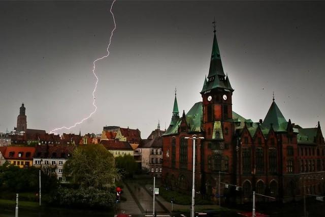 Ostrzeżenie IMGW przed burzami na Dolnym Śląsku