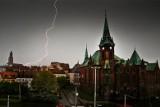 Idzie burza z gradem. Wydano ostrzeżenie dla kilku powiatów pod Wrocławiem