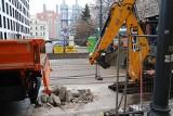 ZWiK kopie studnie na ul. Kilińskiego, by naprawić uszkodzone przyłącze kanalizacyjne