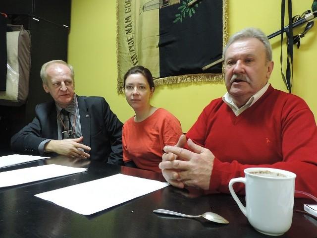 - Porozumienie proponowane przez Gawędę nigdy nie zostałoby podpisane. Protest przedłużałby się w nieskończoność - wyznaje Zbigniew Gedowski (pierwszy z prawej)