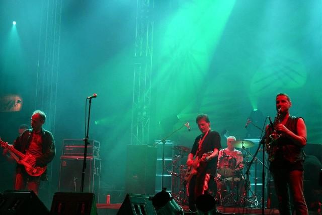 Koncert grupy Brygada Kryzys podczas Malta Festival Poznań 2005.