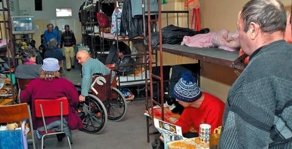 Według statystyk bezdomnych jest 1180 szczecinian, ale tylko 730 z nich korzysta z pomocy społecznej. Na ogródkach działkowym mieszka od 300 do 350 osób.