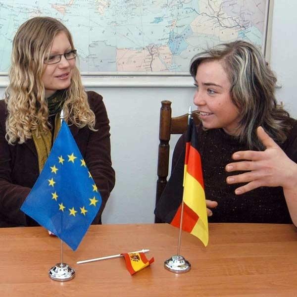 Studentki Uniwersytetu Rzeszowskiego Magda Skoczylas i Gabriela Bukowska studiują przemiennie w Anglii, Hiszpanii i Niemczech.