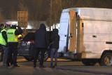 Tarnobrzeg. Śmierć mężczyzny na parkingu obok Biedronki to jednak nie było samobójstwo