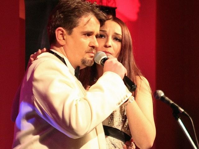 Sopranistka Anna Jurczyńska oraz tenor Romuald Spychalski