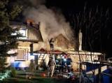 POWIAT MIĘDZYRZECKI. Paliła się stodoła. Płomienie zagrażały przyległemu do niej budynkowi mieszkalnemu