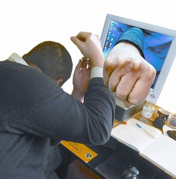 Sporządzane przez windykatorów w internecie spisy dłużników działają na wielu mocniej niż kij bejsbolowy.