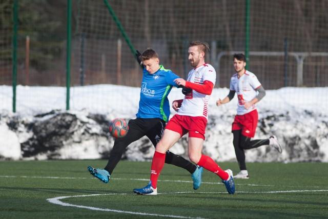 Piłkarze Gryfa Słupsk pilnie przygotowywali się do rozgrywek. W lidze jednak jak i inni grać nadal nie mogą