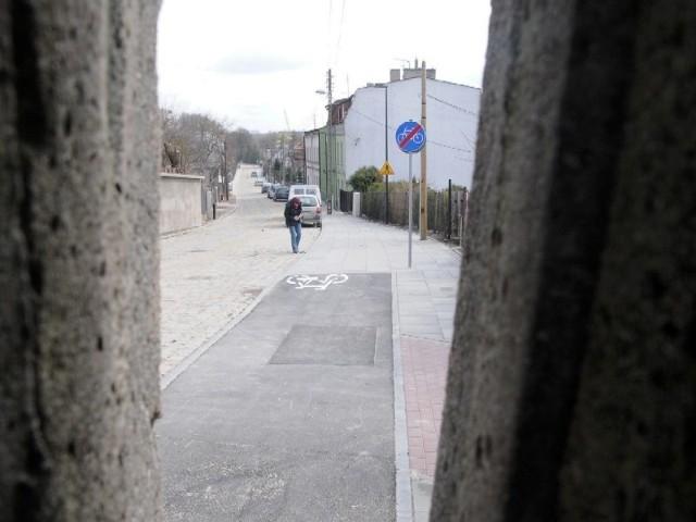 Tu, na Winnicy, ścieżka rowerowa kończy się nieoczekiwanie. I co dalej?