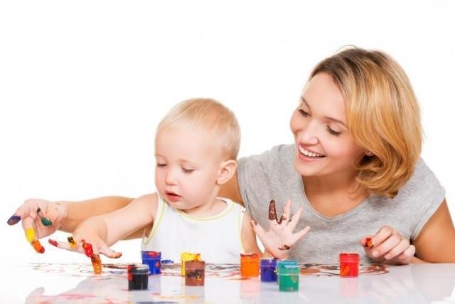 Niedopełnienie formalności przez mamę może skutkować nie przyznaniem zasiłku chorobowego po zasiłku macierzyńskim.