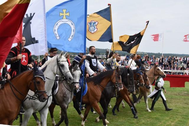 Władze PTTK jak na razie nie zrezygnowały z organizacji turnieju rycerskiego w Golubiu-Dobrzyniu planowanego na 3-5 lipca. Pewne jest już to, że nawet jeśli impreza dojdzie do skutku, będzie miała inny charakter.