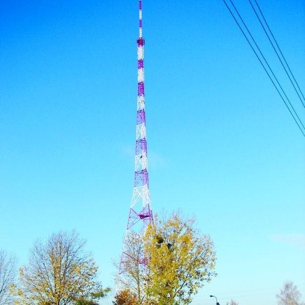 Wieża w Ławach jest o kilkanaście metrów wyższa od kominów ostrołęckiej elektrowni