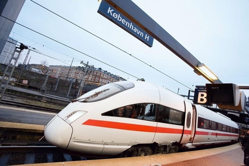 Szybki pociąg ICE-TD na stacji w Kopenhadze