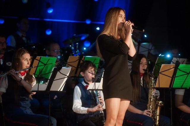 W sobotę, w Sławeńskim Domu Kultury, odbył się koncert kolęd, pastorałek i gwiazdkowych przebojów.