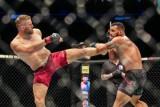 """Jan Błachowicz dostanie walkę o pas UFC? Jon Jones zrzekł się tytułu: """"Niech o pas walczą Jan z Reyesem"""""""