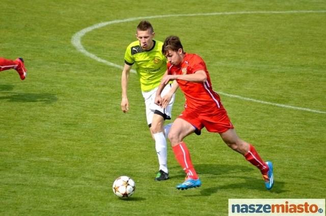 Włocłavia (na czerwono) przegrała u siebie z Nielbą 0:5.